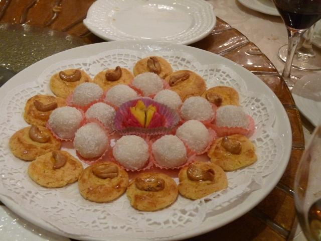 Le Petite Fleur with Almond cookies, Glutinous Rice Balls
