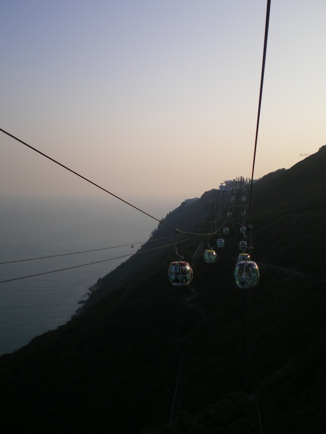 How to travel over mountains ;) Cable Cars!