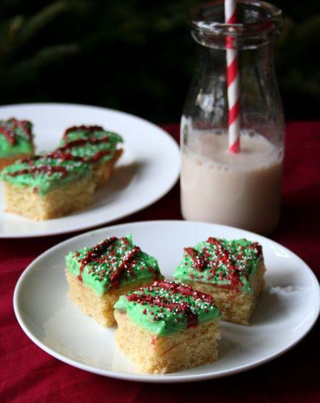 Holiday sugar cookie bar