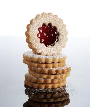 Almond-Raspberry Linzer cookies!