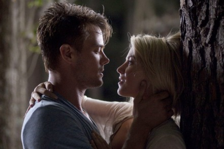safe haven katie alex kiss