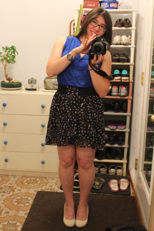 Blue was the theme.  Here's my outfit for the party