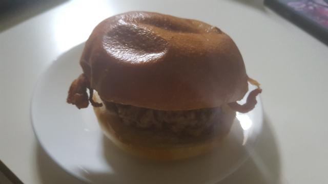 maple pork burger
