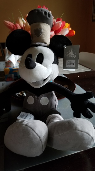 Disney Store: Steamboat Mickey